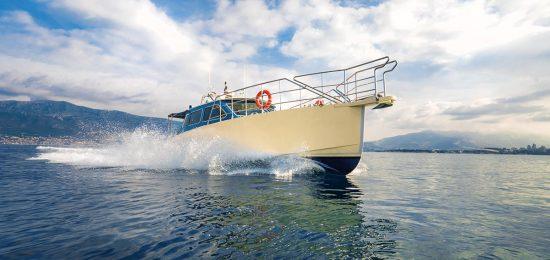 speedingonsugamanislandtoursspeedboat
