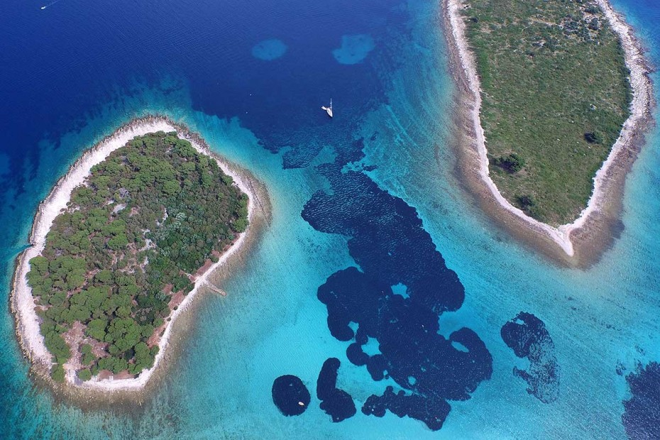 Two Krknjasi islands forming Blue Lagoon