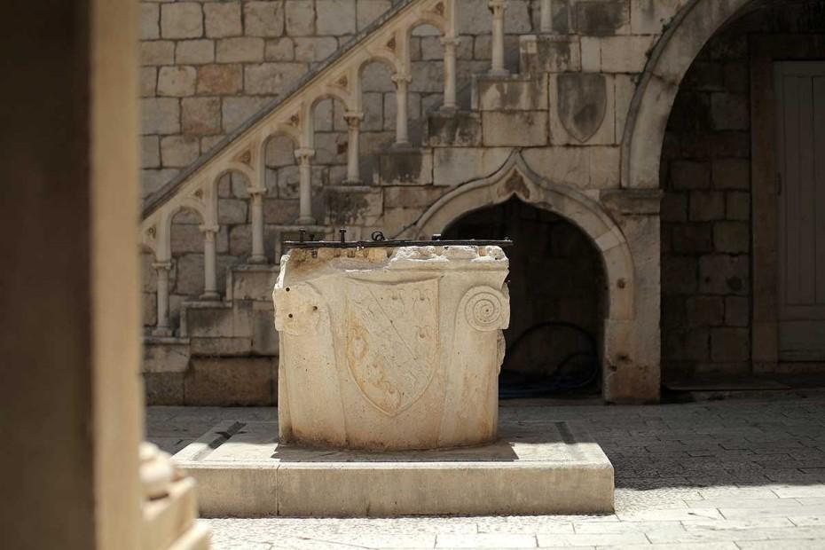 Wellin in Old Town of Trogir