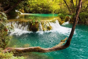 cascading lakes of Plitvice