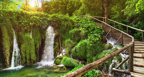 trail by the Plitvice cascades
