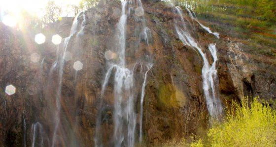 PlitviceLakesTour-largewaterfall