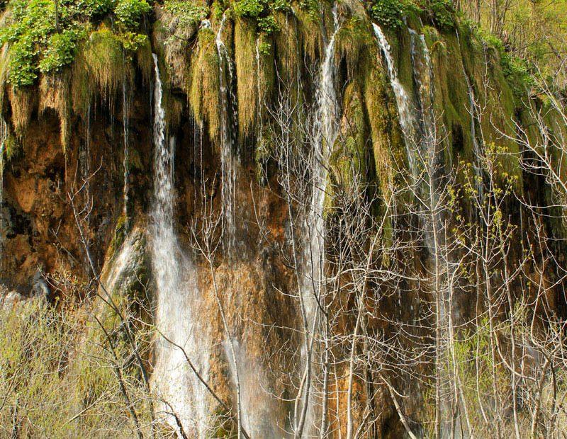 PlitviceLakesTourfromSplit-waterfall