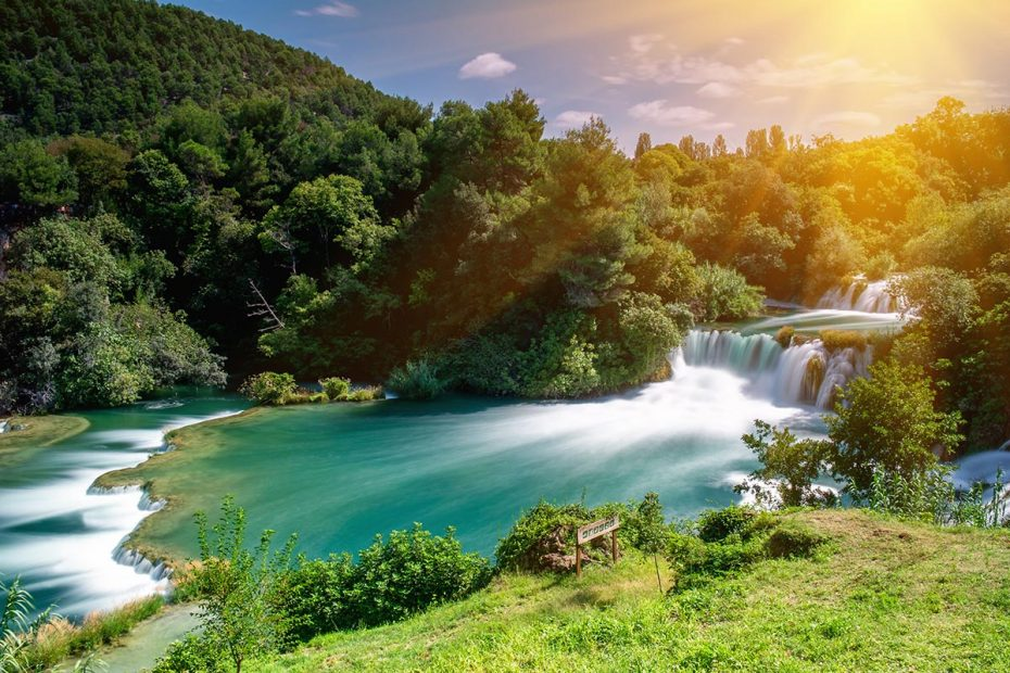 Krka-Waterfalls-travertine-system