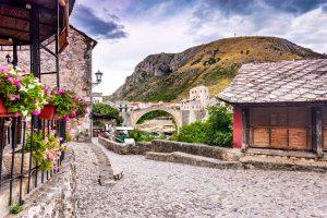 walk to the Mostar old bridge