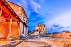 walk to the Mostar bridge