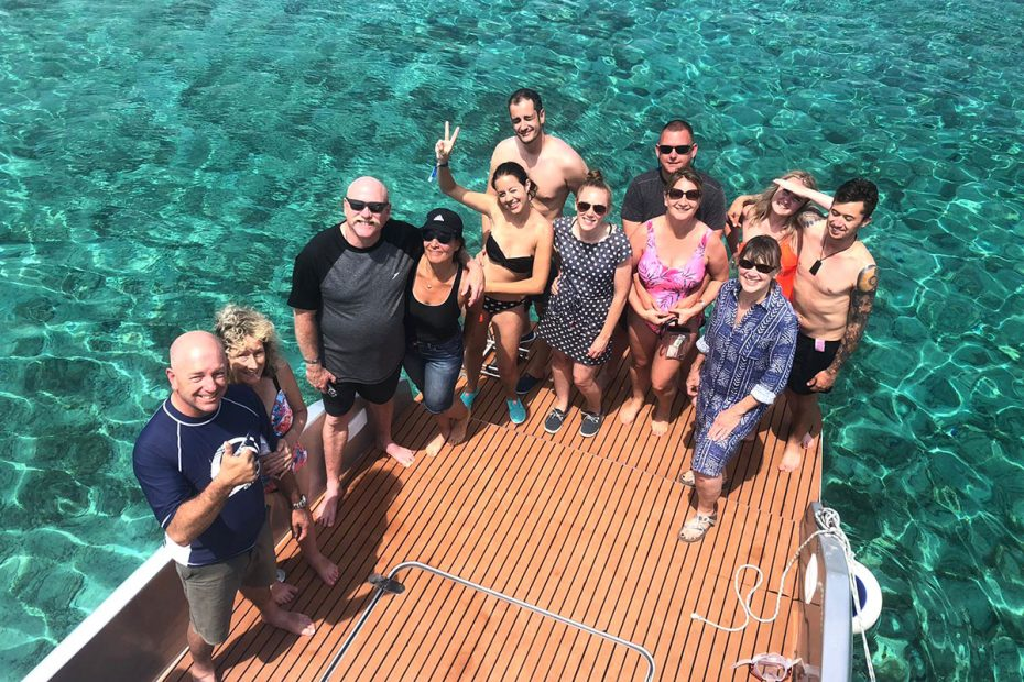 clear-sea-guest-group-photo