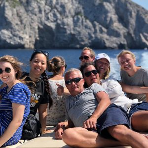 great-fun-speedboating-guest-group-photo
