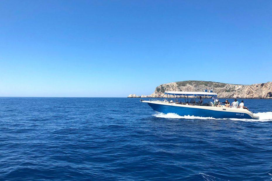 speeding-from-island-to-island
