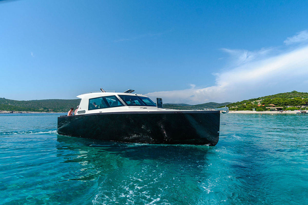speedboat on Budikovac island